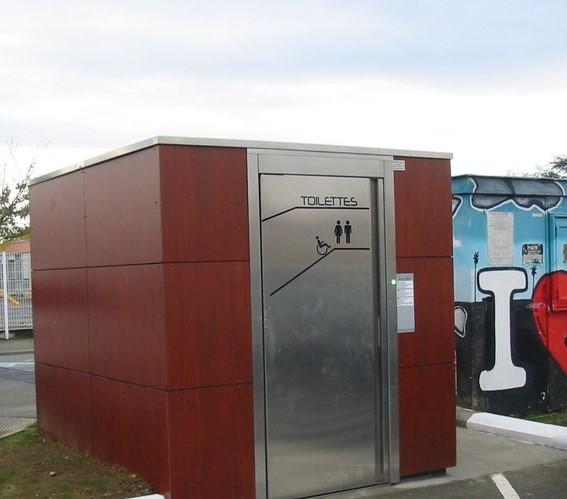 Installation d'un sanitaire public